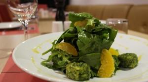 Lehká večeře ve formě salátu.